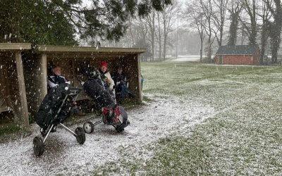 Golf in de sneeuw
